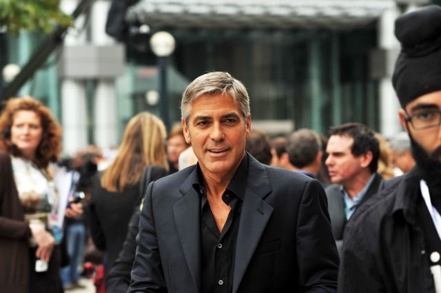 Clooney presto papà di due gemelli. La notizia è ufficiale!