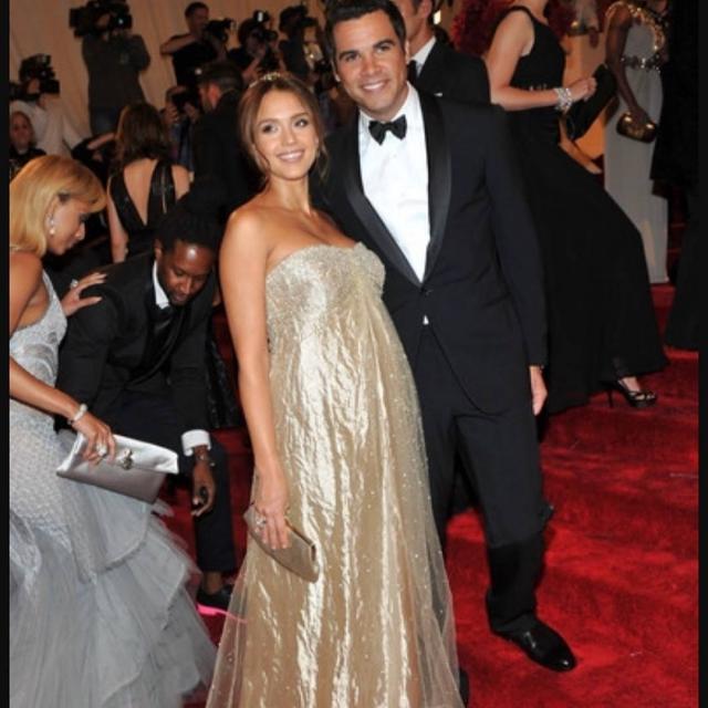 Jessica Alba è mamma per la terza volta: è nato Hayes