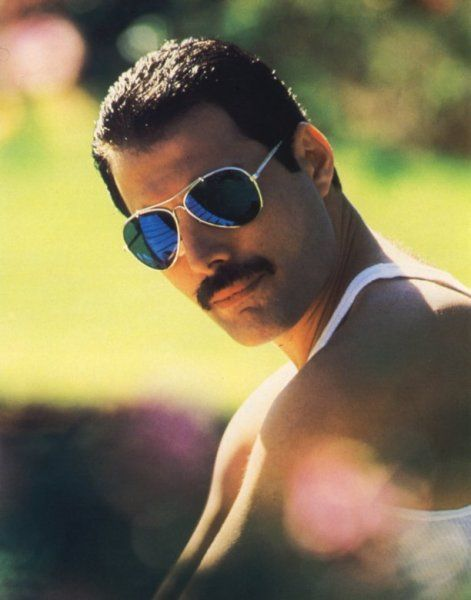 25 anni fa moriva Freddie Mercury: 10 cose che non sai