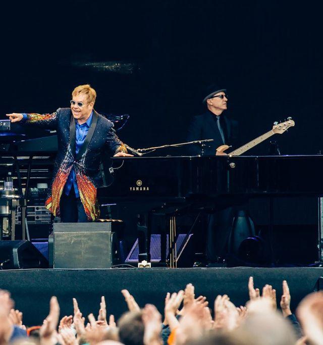 Elton John si ritira dalle scene dopo l'ultimo tour: l'annuncio ufficiale