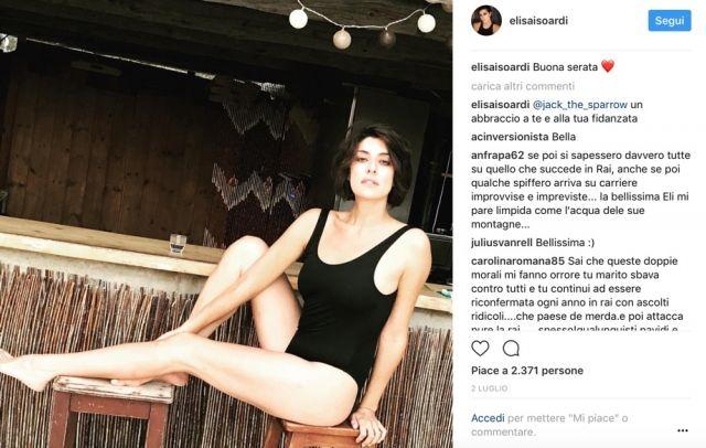 Elisa Isoardi a Ibiza bacia Marco Placidi. Il post misterioso su Instagram